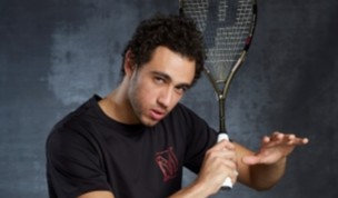 Which squash racket does Ramy Ashour use?