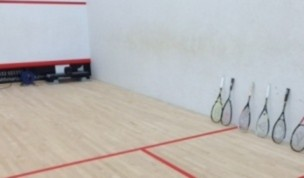 The best squash racket for hitting the ball hard